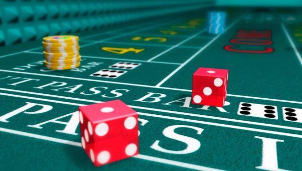 Online Craps vs. Live Dealer Craps: The Pros and Cons